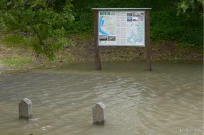 morava-devin-povodne-2013_tasr (9)