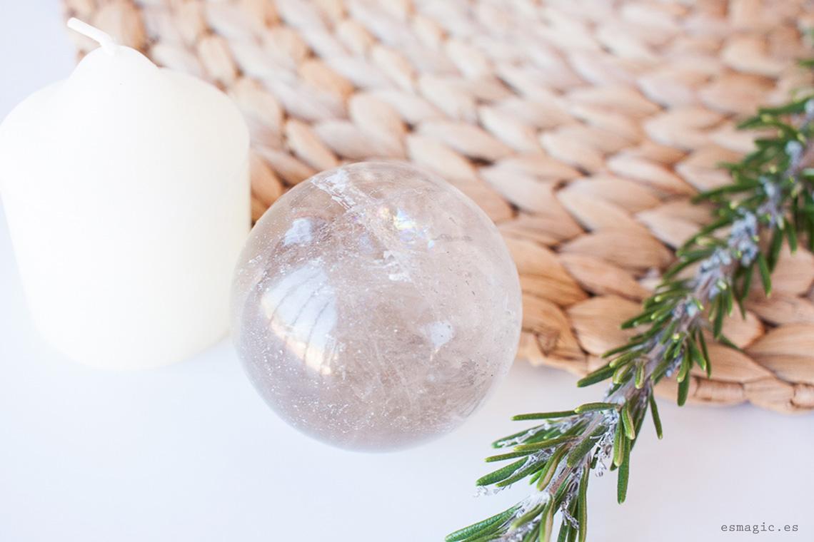 Imagen cuarzo ahumado esfera gemas cristales bienestar esmagic blog