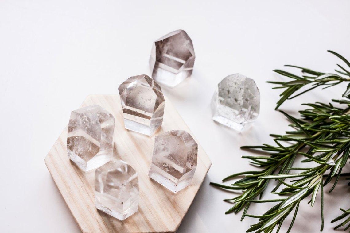 taller esmagic cristaloterapia cuarzos