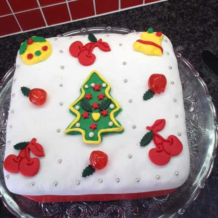 ROOIBOS INFUSED FRUIT CAKE