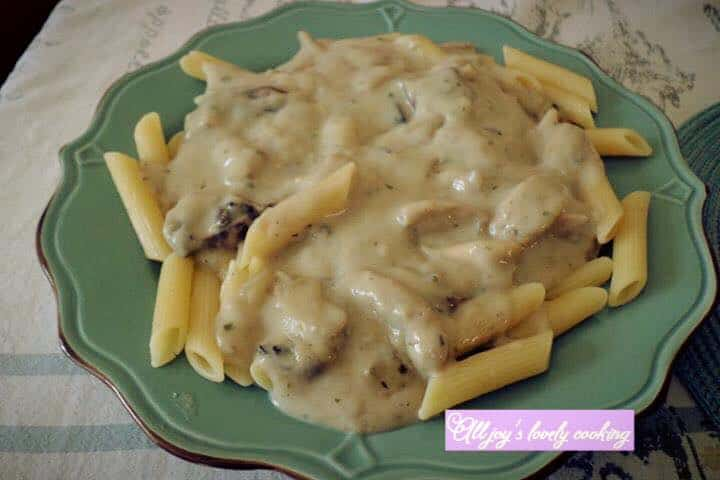 Chicken and mushroom with penne pasta
