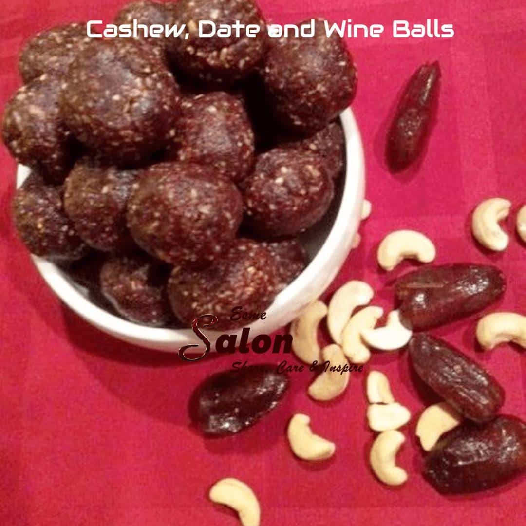 These #Homemade #Cashew, #Date, and #Wine Balls are so easy to make, no baking required. On top of that, it's #raw, #vegan and #glutenfree.