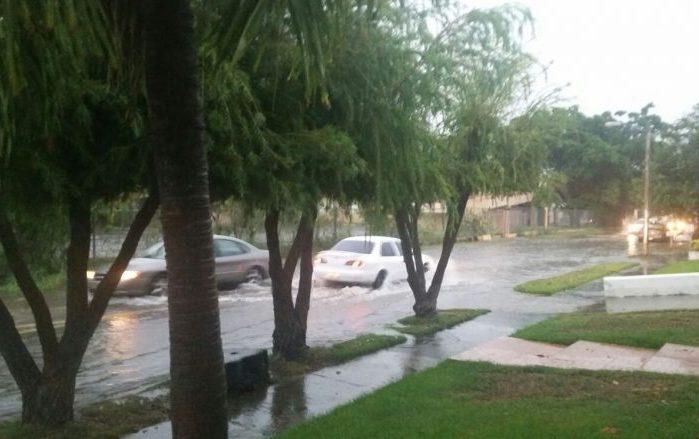 Pronostican onda tropical pasando al sur