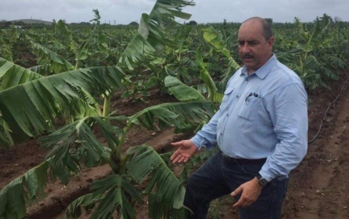Entregan 41 títulos de propiedad a grupo de agricultores