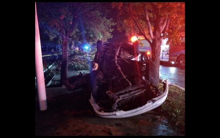 Dos jóvenes muertos en accidente de auto