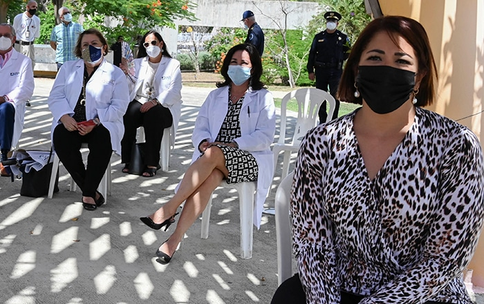 Mujeres al frente en la lucha contra el coronavirus