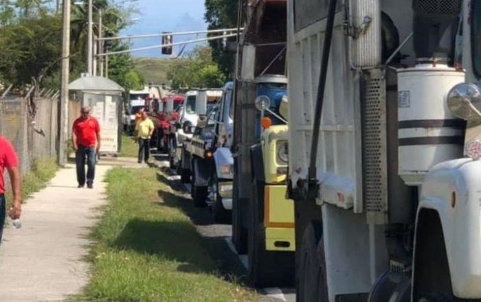 Protestas de camioneros provoca tapón en PR-5
