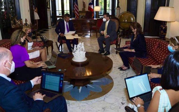 Gobernador declara Estado de Emergencia Fiscal y firma 6 ordenes ejecutivas