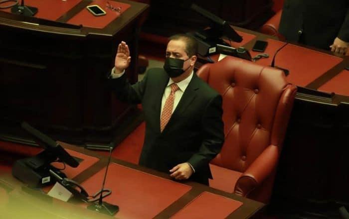 José Luis Dalmau es presidente del Senado