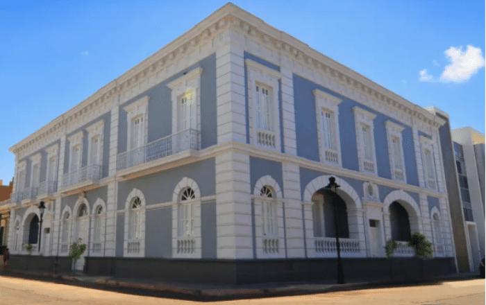 Reabre la Fundación Biblioteca Rafael Hernández Colón