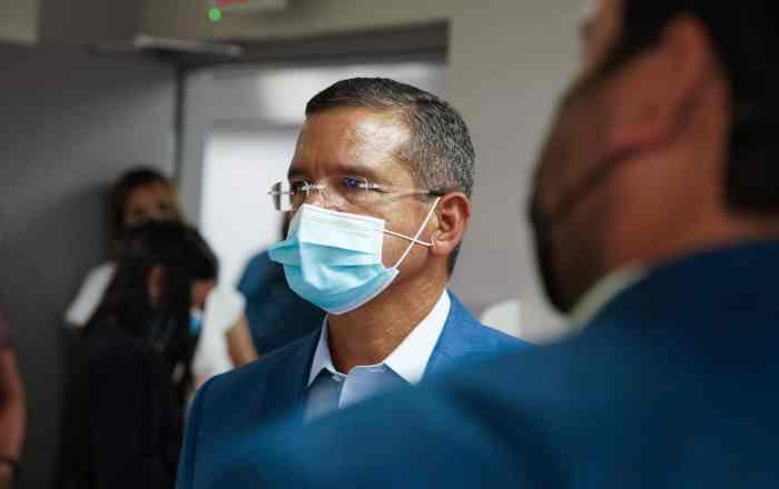 Pierluisi se declara ajeno de la baja vacunación en residenciales y comunidades pobres de Puerto Rico