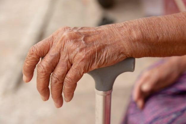Asaltan a una anciana de 89 años en su casa