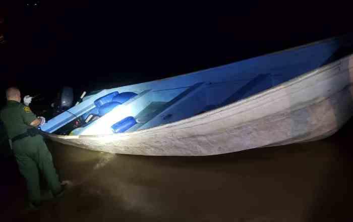 Detienen a 21 personas en la costa de Aguada