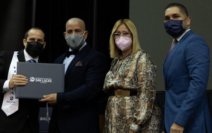 San Lucas concede grados a 46 médicos especialistas