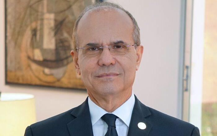 Destituido Jorge Haddock de la presidencia de la UPR