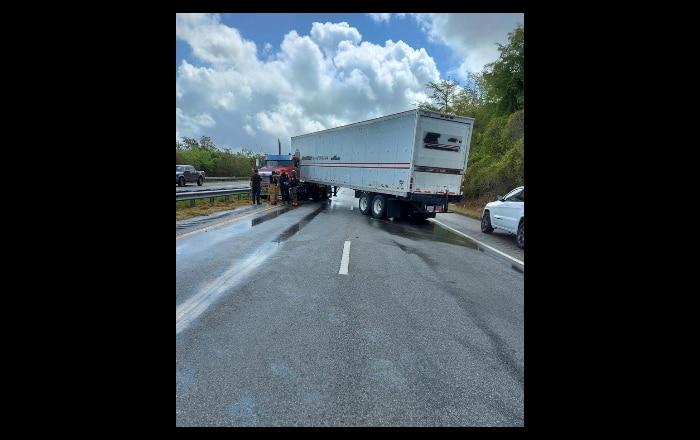 Derrame de combustible tras accidente en PR-2