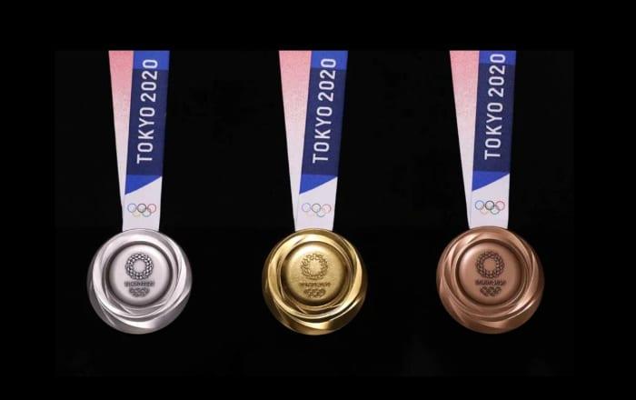 Detrás de las medallas Tokio 2020: piezas de celulares recicladas
