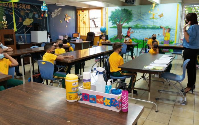 Nueva plantilla permitirá a los padres monitorear el COVID-19 en las escuelas