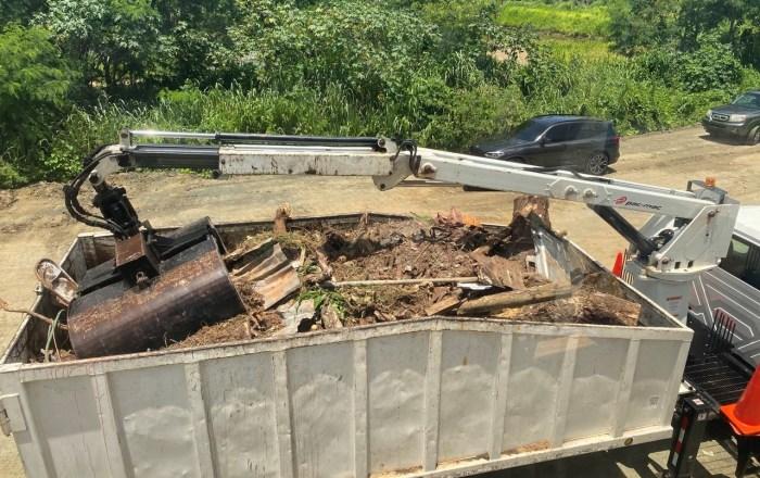 Comienzan labores de remoción de escombros y demolición de propiedades privadas