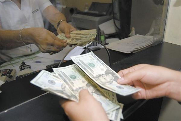 Presidente de CCPR sostiene que aumento al salario mínimo lo pagará el consumidor