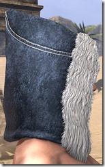 Colovian-Fur-Hood-female-right