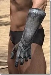 Dark Elf Iron Gauntlets - Male Side