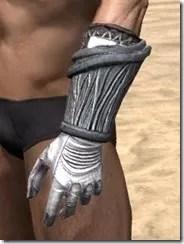 Hlaalu Iron Gauntlets - Male Side