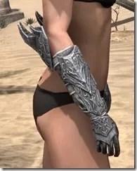 Dremora Iron Gauntlets - Female Right