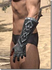 Lyris Titanborn's Gauntlets - Male Side