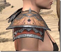 Lyris Titanborn's Pauldrons - Female Right