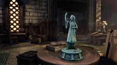 Statuette: Alessia, Liberator