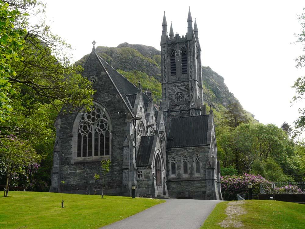 eglise neo-gothique de l'abbey de kylemore