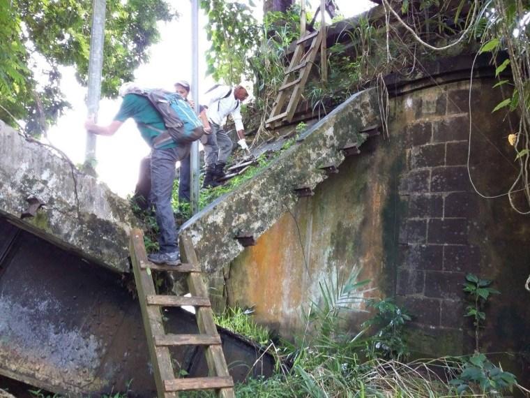 Partie endommagée du pont moko