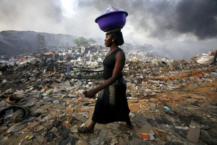 Lagos (Nigeria). La vida entre la basura.