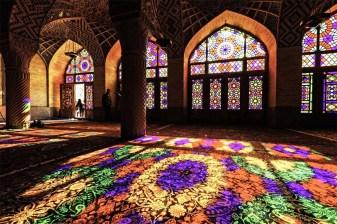 mezquita de colores iran