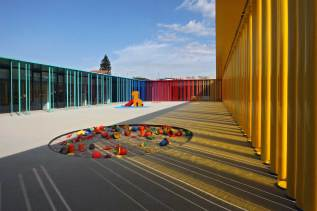 arquitectura de colores kinder