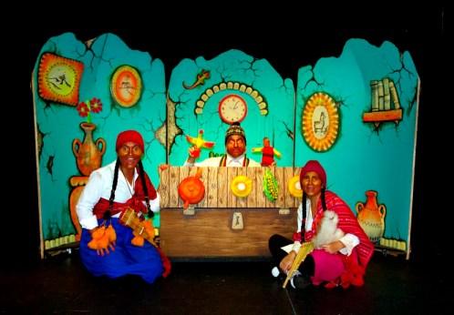 Abuelo-y-Niñas-El-Alicanto-Akana-Teatro
