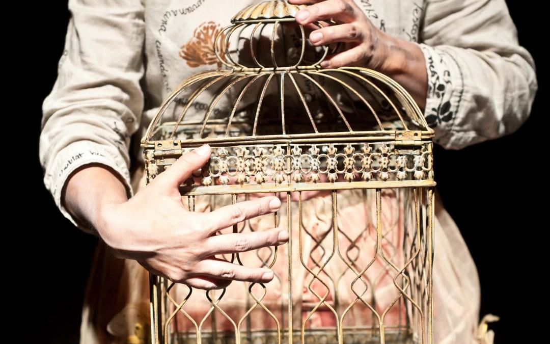 Isabel Desterrada en Isabel – Cartelera Teatral Noviembre 2012 – Iquique