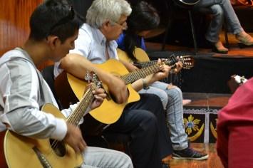 Guitarra-Adulto-Akana-Iquique-5
