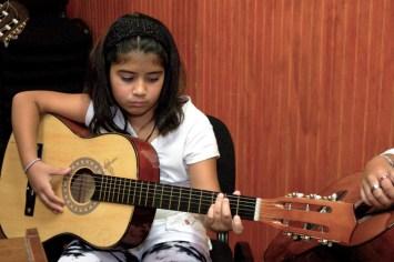 Guitarra-Infantil-1