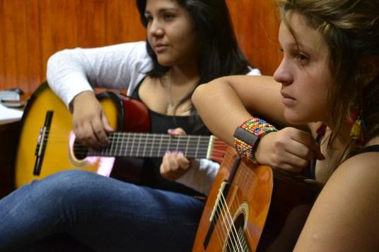 Guitarra-Juvenil-Akana-Iquique-1