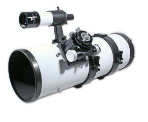Telescopio reflector con portaocular y buscador (fuente: GSO)