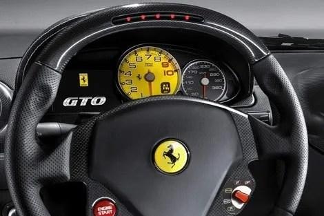 Ferrari-599-GTO chico2