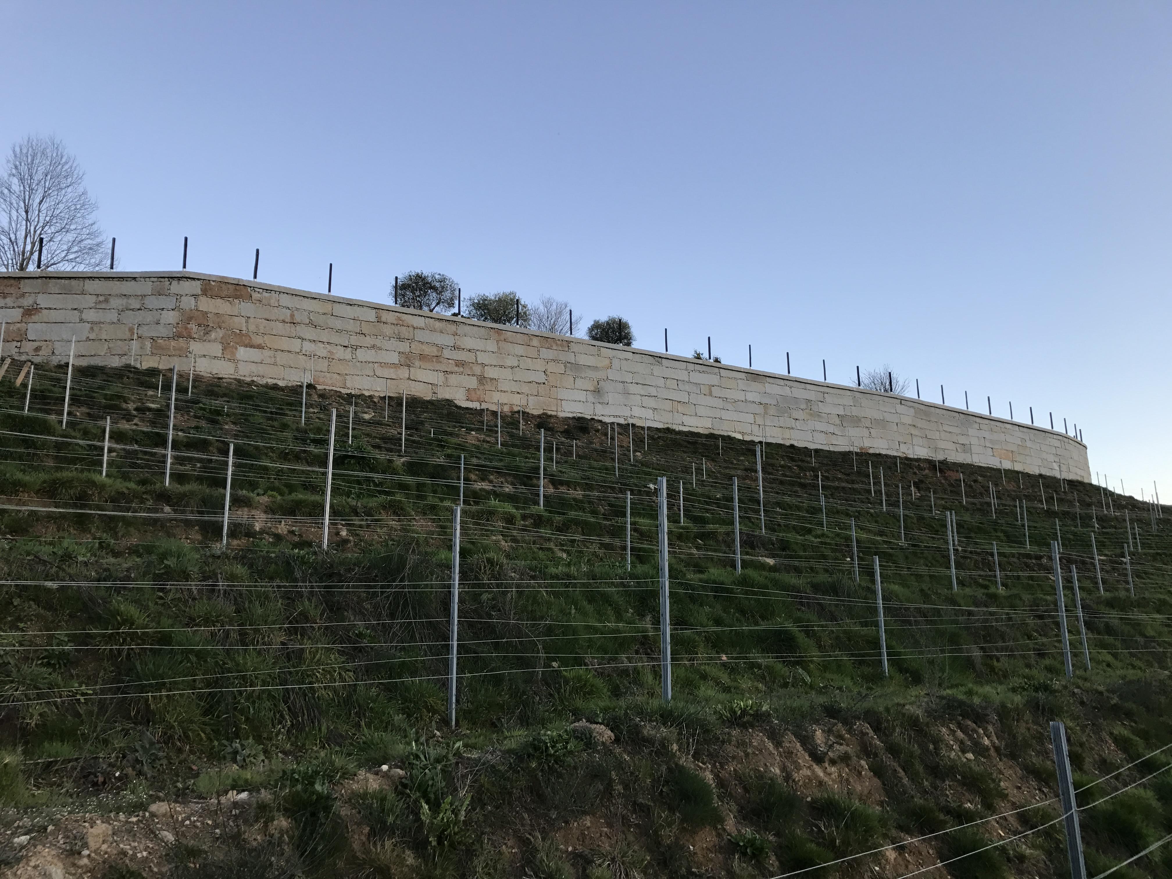 Muro contención mampostería