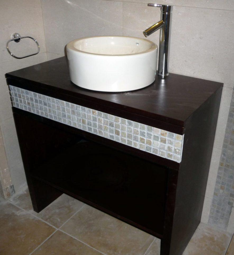 mueble baño en cedro con lustre P.U.