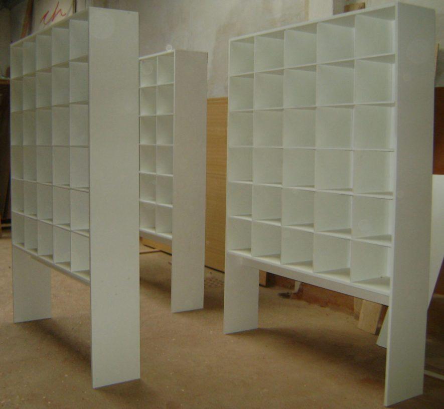 muebles en melamínico blanco con divisorias