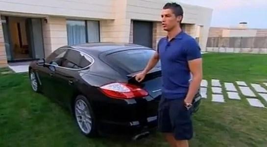 La casa de Cristiano Ronaldo  autos hermosos