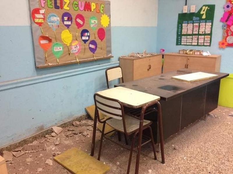 Se derrumbó el techo de una escuela en CABA