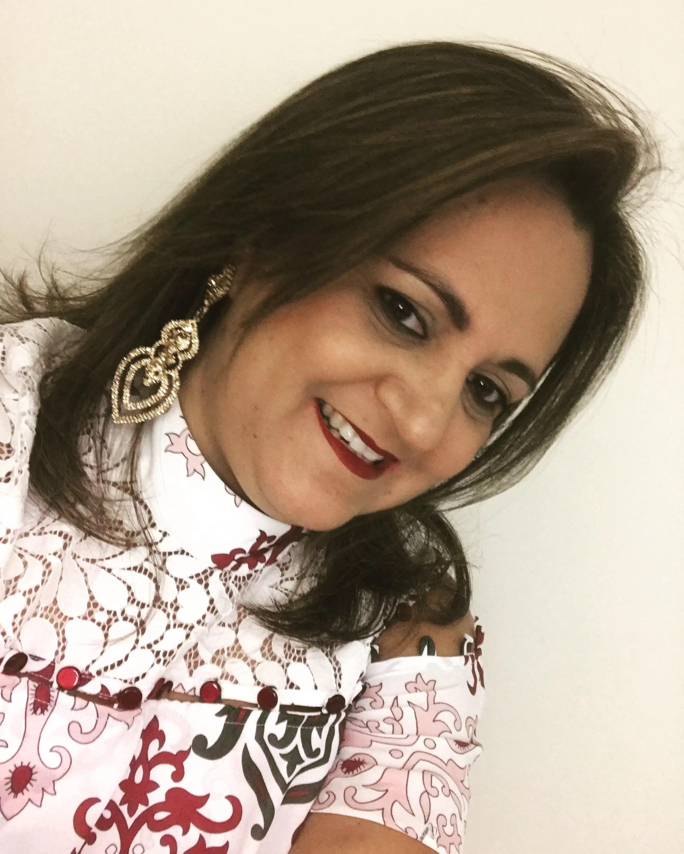 Lana Claudia Fernandes Lino