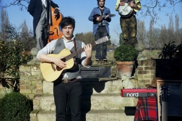 mumford-and-sons-cousins-608x606